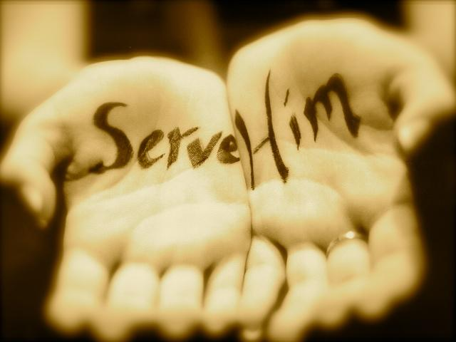 serve-him-hands